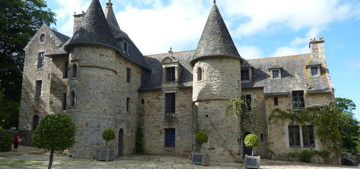 1280px-Ploujean_1_Château_de_Suscinio_façade_sud